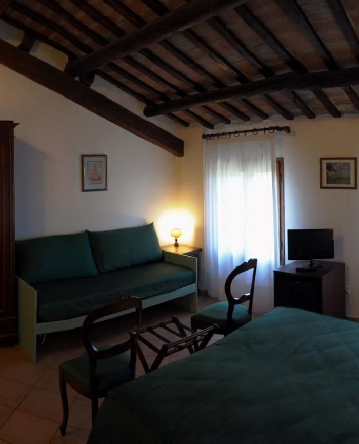 Camera tripla a Ferrara